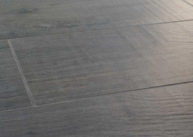 Brillance d'un carreau imitation bois à Montpellier