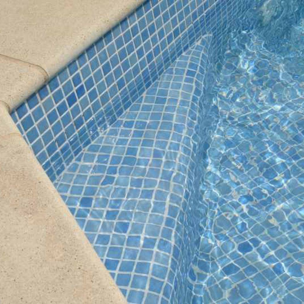 Carrelage piscine carrelage piscine by trends with for Top carrelage